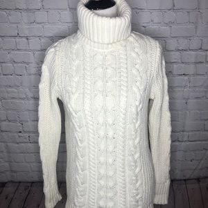 Gap cream turtleneck sweater